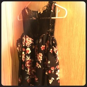 Brand New Floral Shoulder Free Blouse